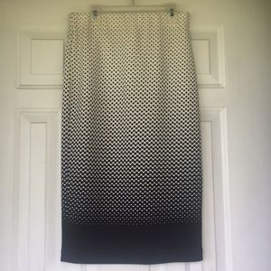 ECi below knee pencil skirt Blk and white Sz small